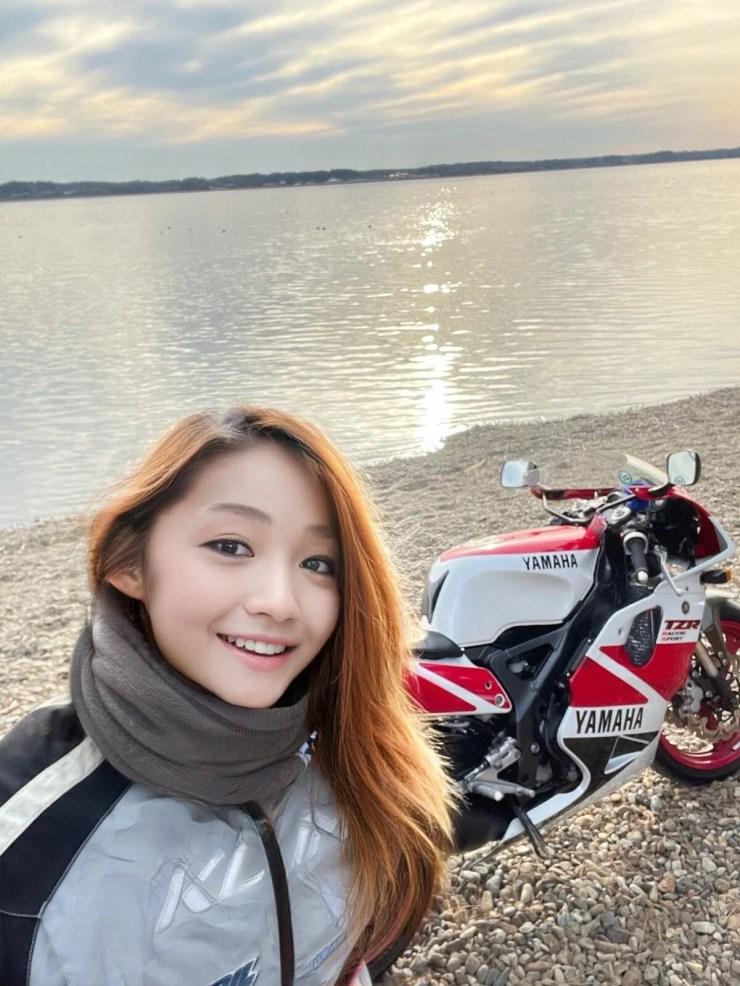 Fenomen olan kadın motorcu 50 yaşındaki bir erkek çıktı - 2