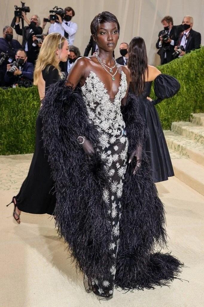 2021 MET Gala'nın en ilginç kıyafetleri - 41