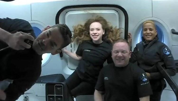 SpaceX'in amatör astronotlarından ilk fotoğraflar