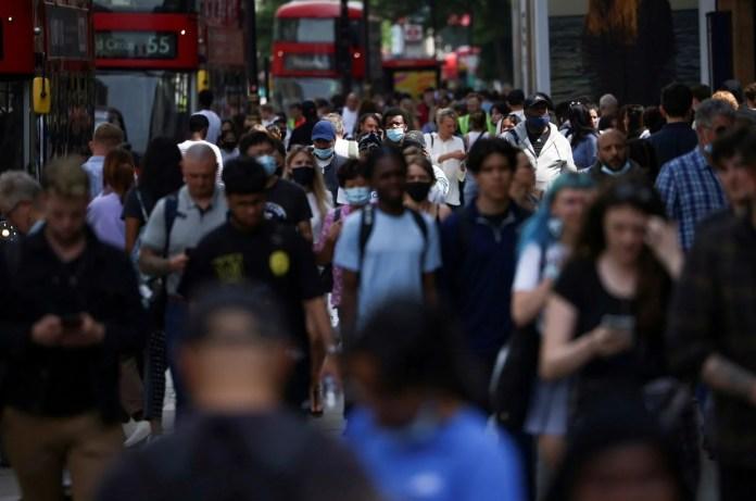 İngiltere'de bilim kurulu üyeleri uyardı: Bir sonraki corona virüs varyantı daha ölümcül olacak - 7