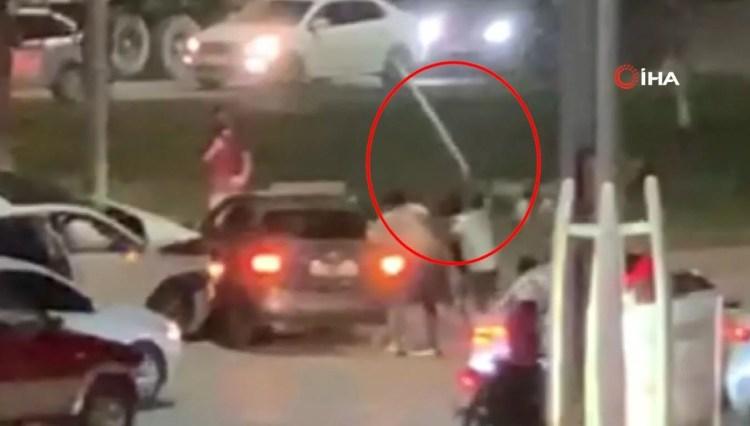 Kaza sonrası çıkan kavgada tampon parçasıyla saldırdı