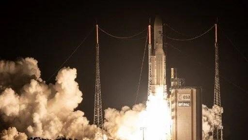 Arianespace Japon ve Güney Kore uydularını uzaya fırlattı