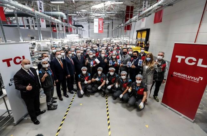 TCL, Tekirdağ'da akıllı telefon üretimine başladı 14