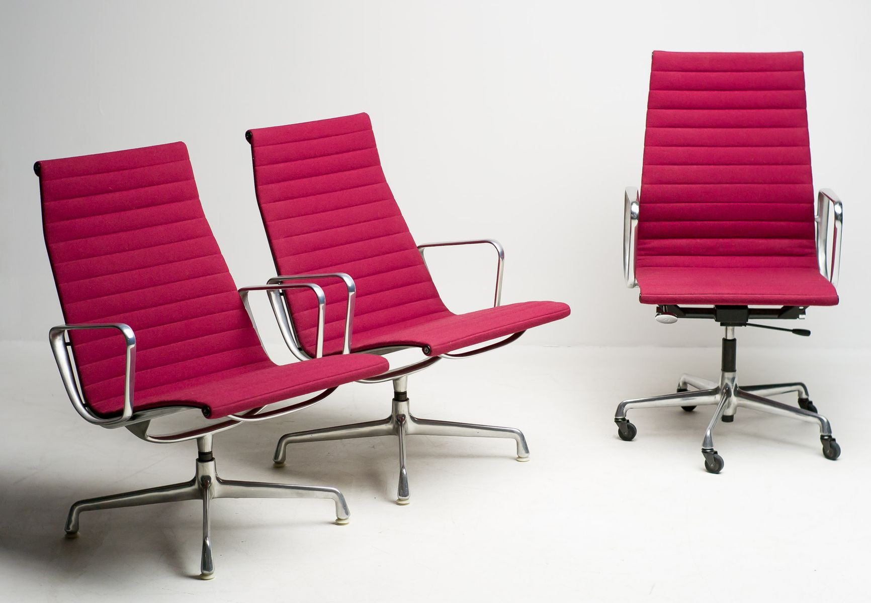 ergonomic chair settings covers john lewis aluminum office set by charles and ray eames for