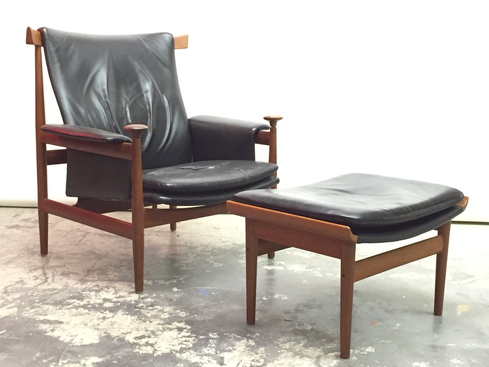 finn juhl chair uk hon ignition fabric danish bwana with ottoman by for france