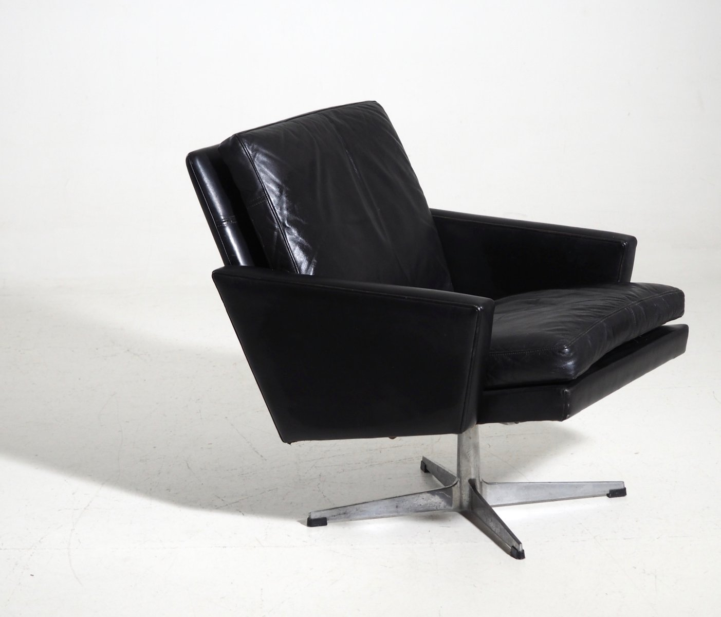 Black Leather Lounge Chair Danish Black Leather Lounge Chair 1960s For Sale At Pamono