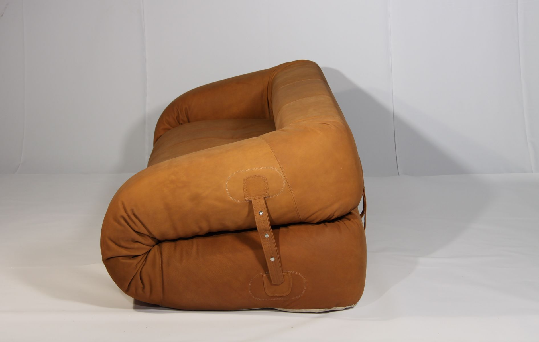 anfibio leather sofa bed fabric modular sydney by alessandro becchi for giovannetti