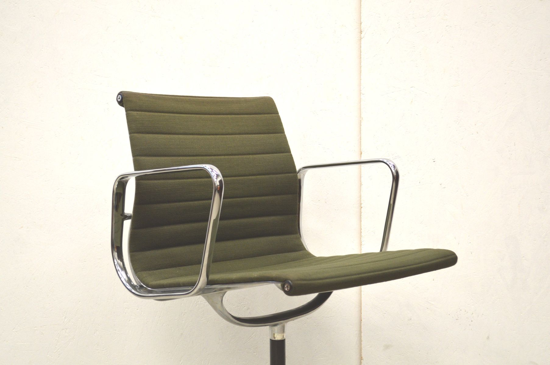 Herman Miller Eames Office Chair Ea107 Alu Office Chair By Charles And Ray Eames For Herman