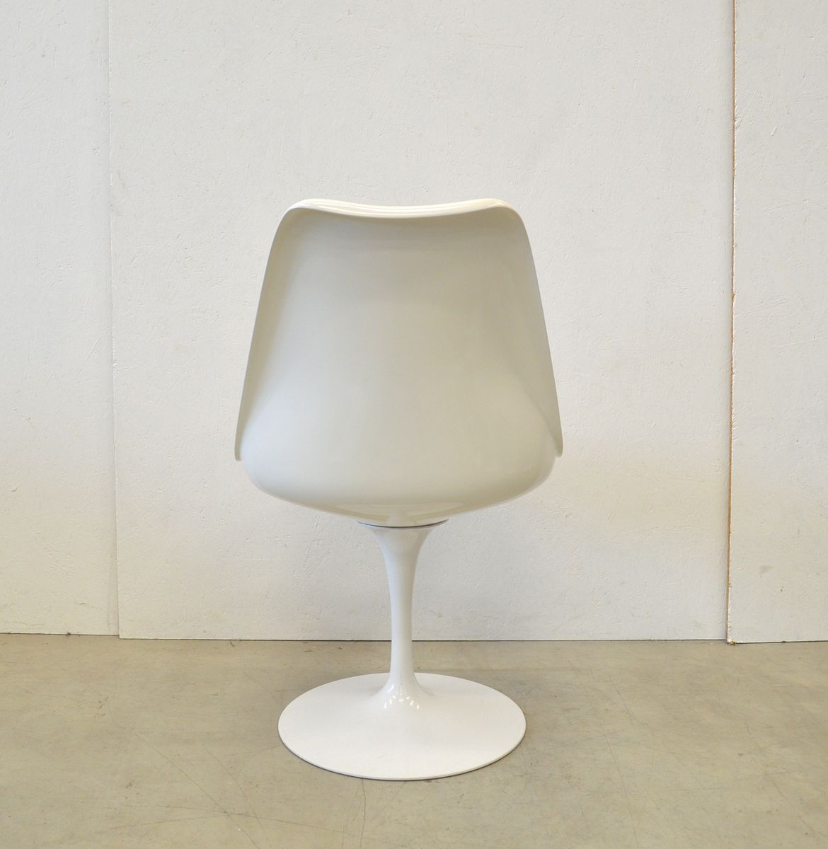 tulip table and chairs uk swing chair lowest price marble dining 6 by eero saarinen for