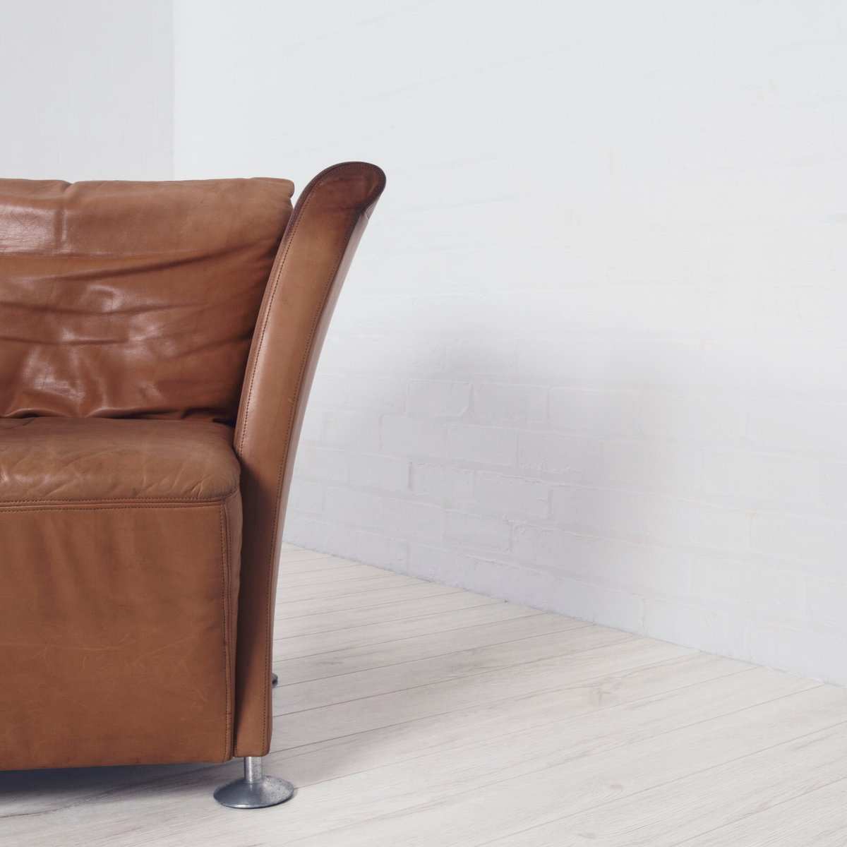 tan leather chair sale diy covers dining room vintage club for at pamono