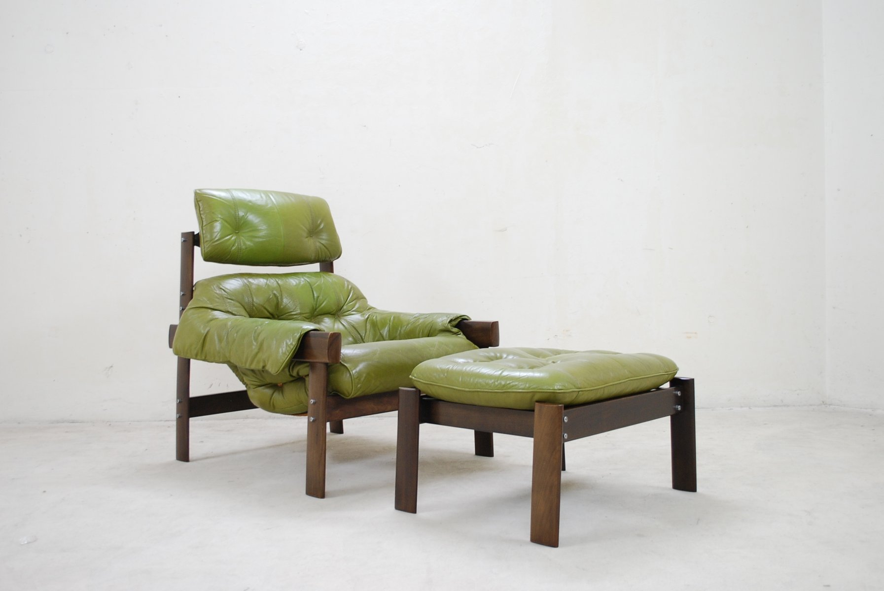 lime green chairs roman lounge chair model mp 041 leather and ottoman