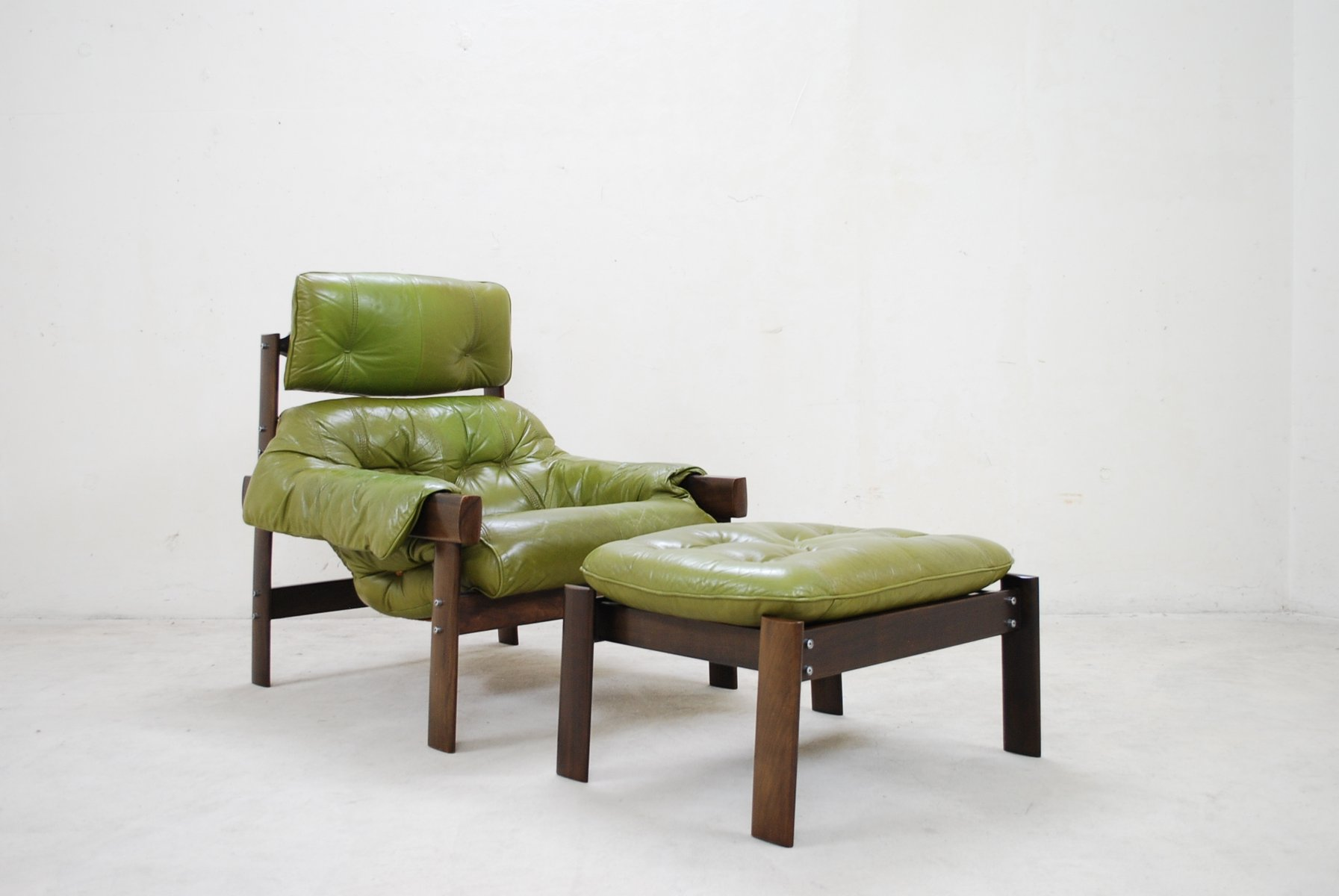Lime Green Accent Chair Model Mp 041 Lime Green Leather Lounge Chair And Ottoman
