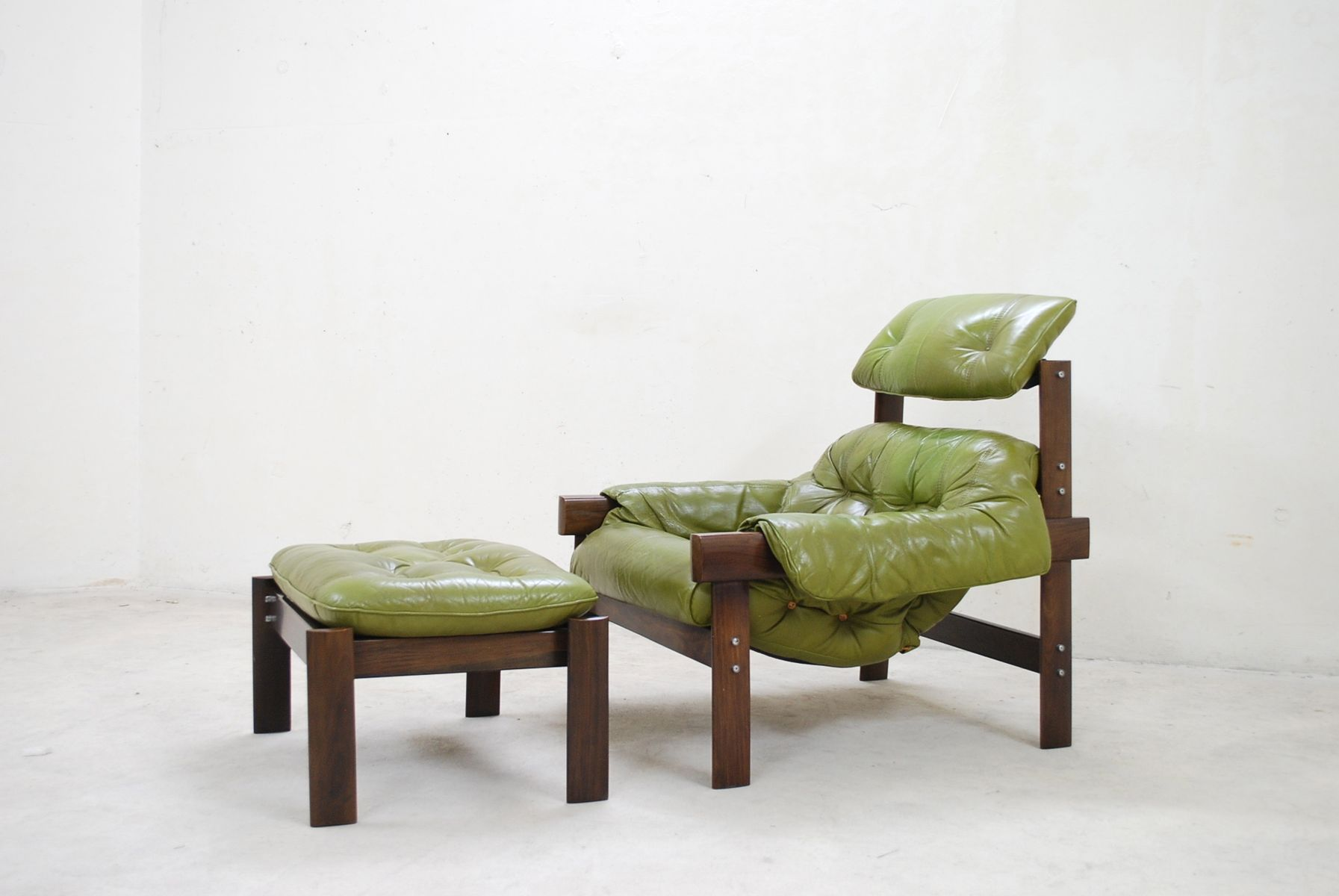 lime green chairs for sale hanging chair costco model mp 041 leather lounge and ottoman