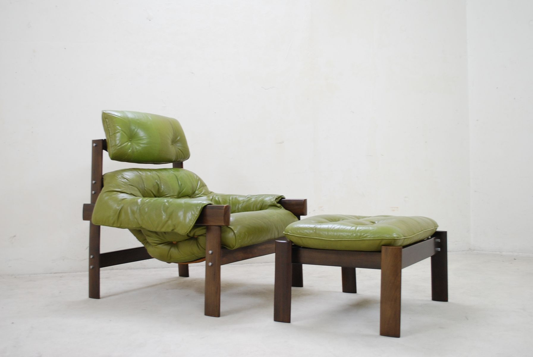 green lounge chair toyo revolving model mp 041 lime leather and ottoman