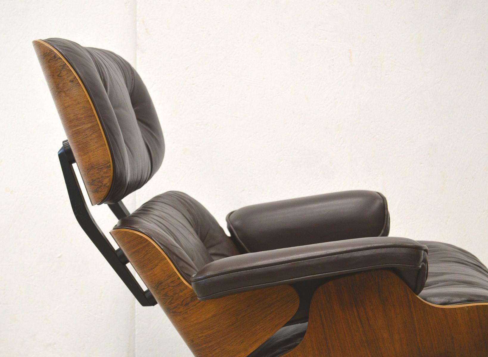 herman miller chairs vintage office executive chair rosewood lounge by charles and ray eames for