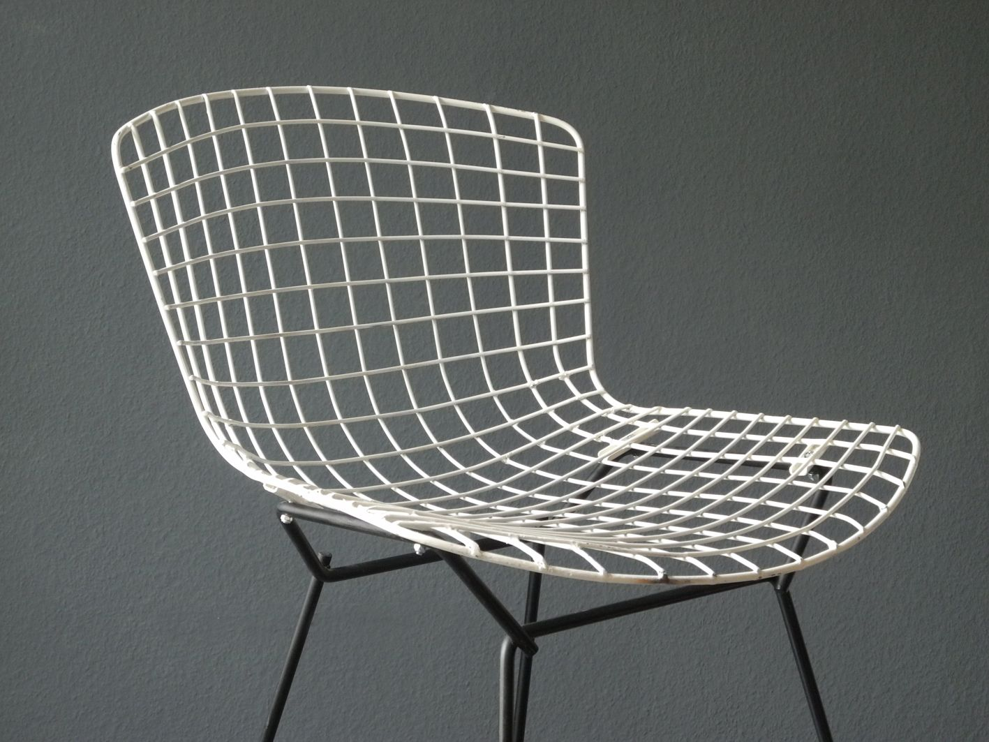 bertoia wire chair original grey covers for wedding in black and white by harry knoll
