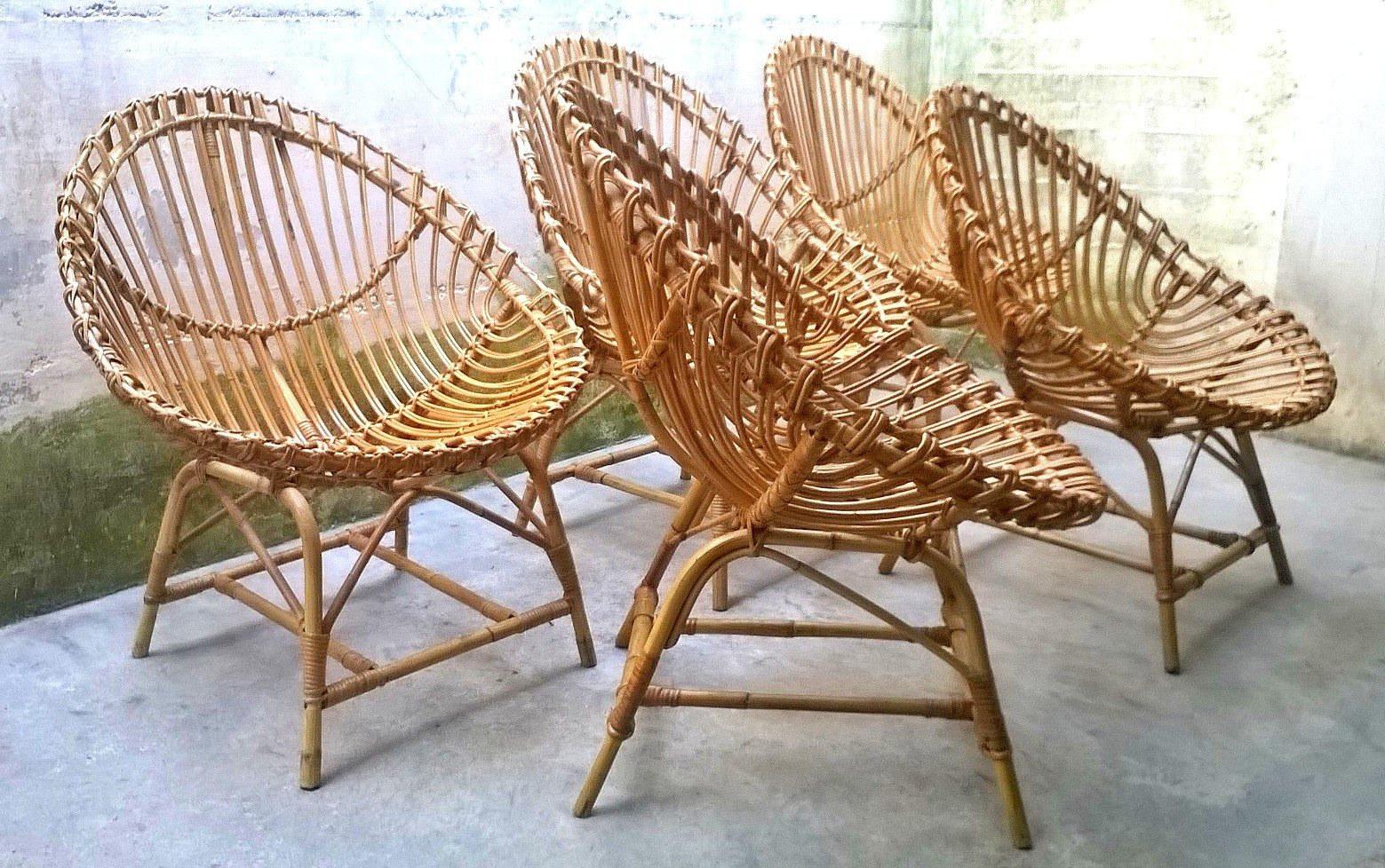 Egg Shaped Chairs Italian Rattan Egg Shaped Chairs 1950s Set Of 5 For Sale