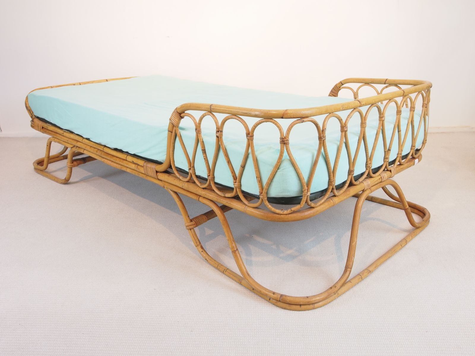 Vintage MidCentury Rattan Daybed for sale at Pamono