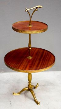 Mid-Century Italian 2-Tiered Side Table for sale at Pamono