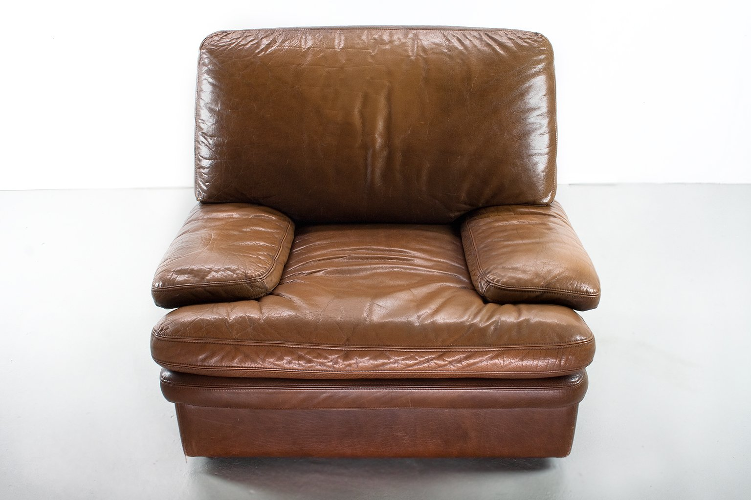 modern leather lounge chair oval table and 4 chairs mid century brown for sale at