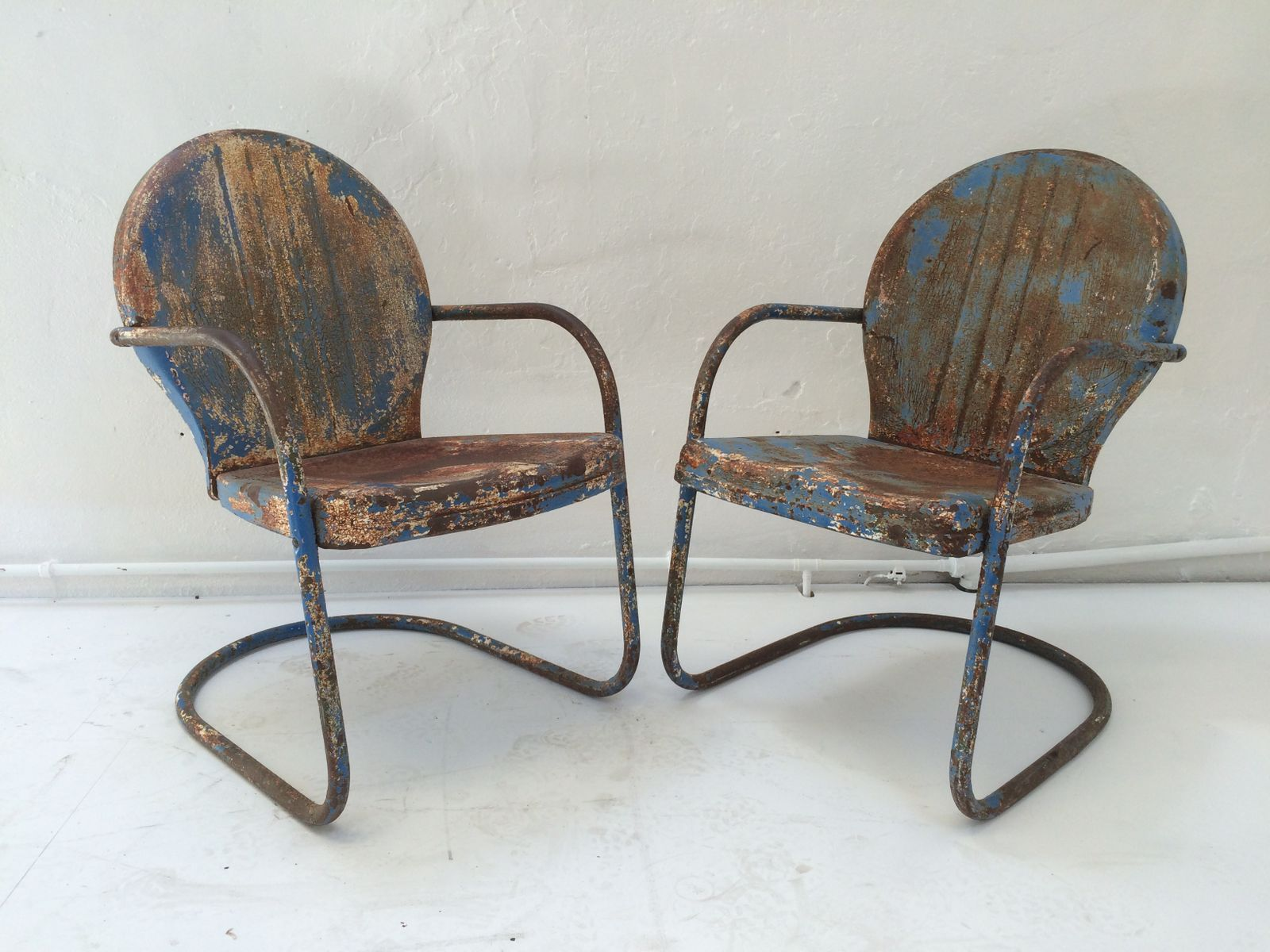 clam shell chair power recliner mid century american patio chairs 1950s set
