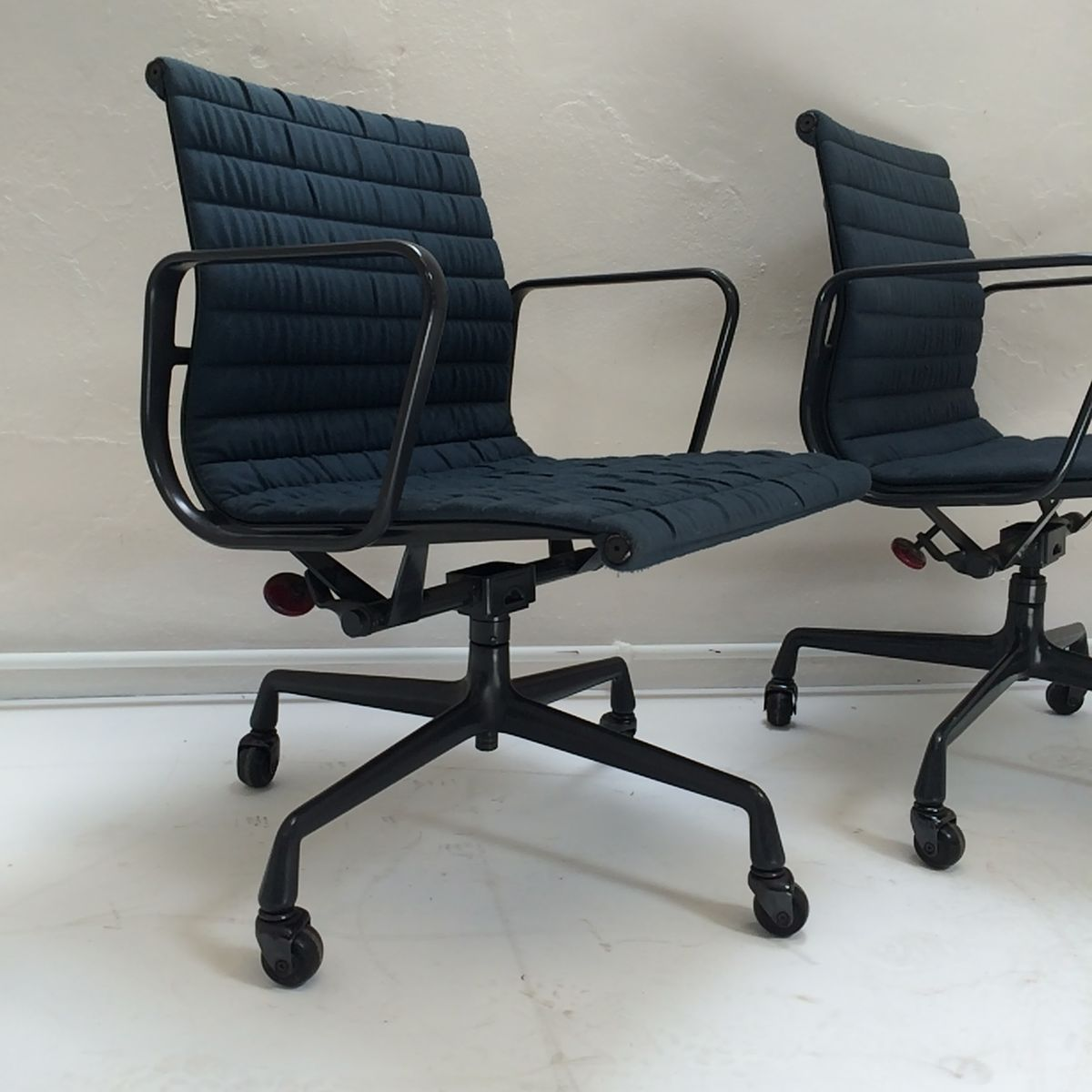 Herman Miller Eames Office Chair Ea108 Aluminium Office Chair By Charles Eames For Herman