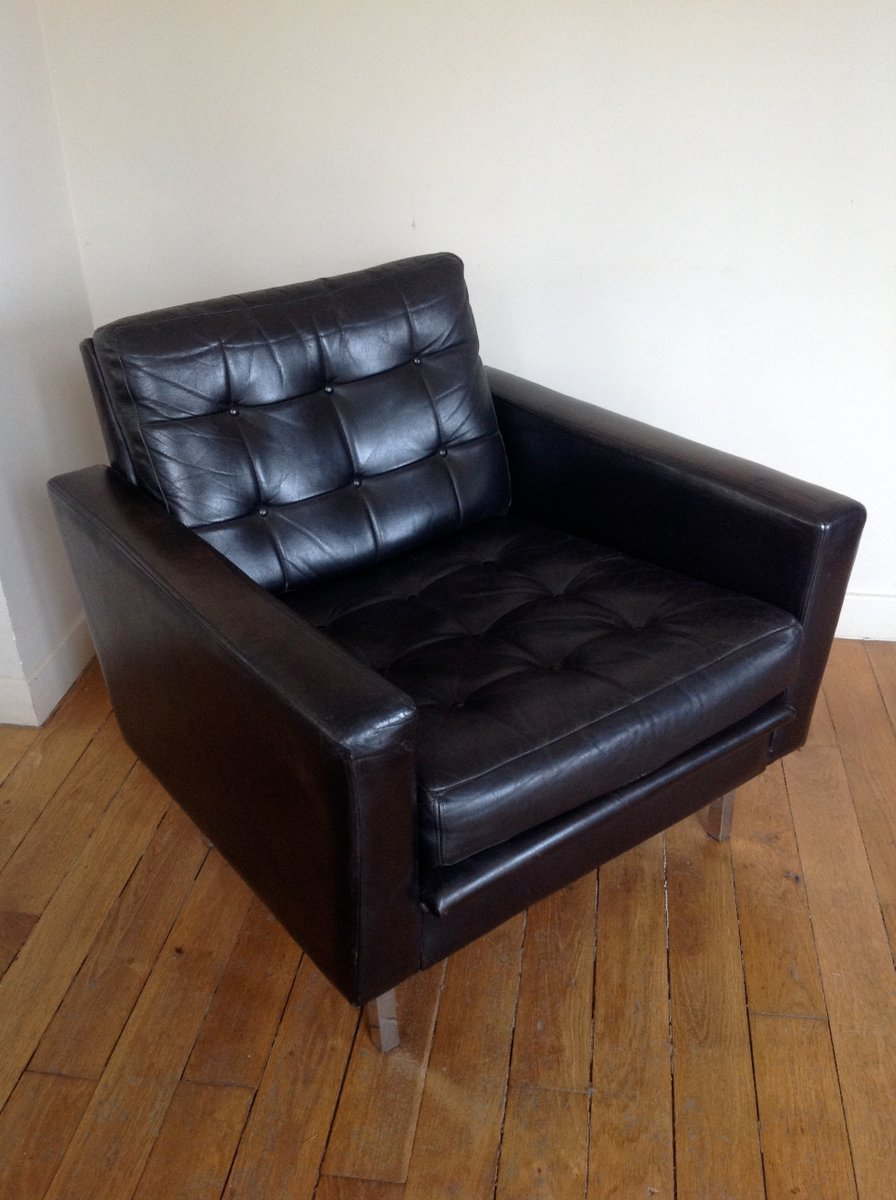 MidCentury Black Leather Club Chair for sale at Pamono