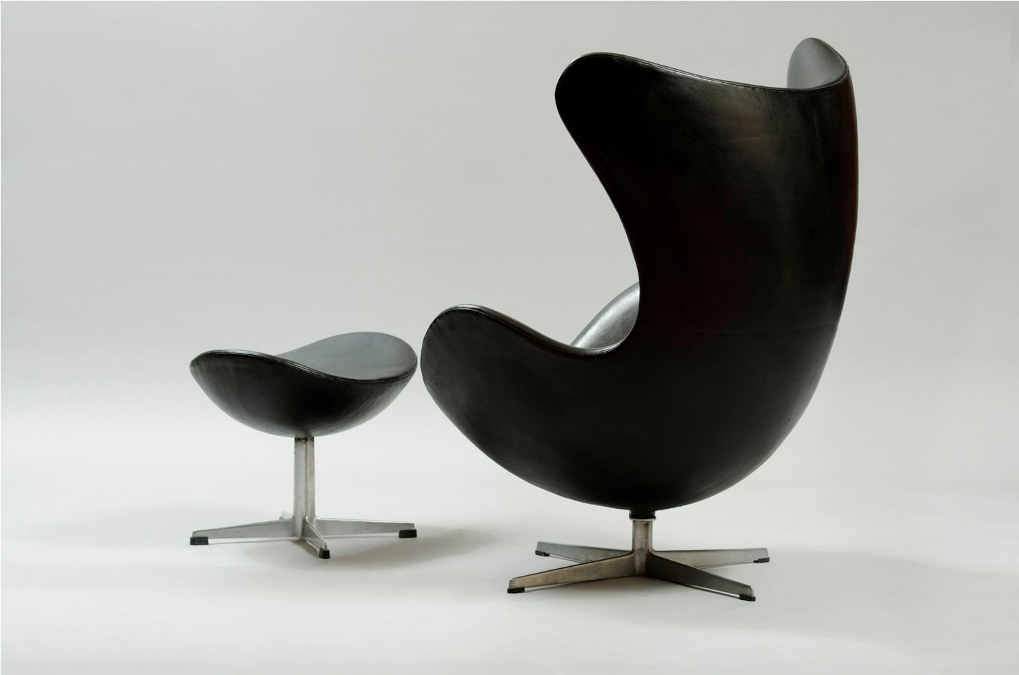 Used Egg Chair Egg Chair And Ottoman By Arne Jacobsen For Fritz Hansen