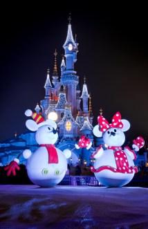 Disney Parks Dark Finding Holiday Cheer