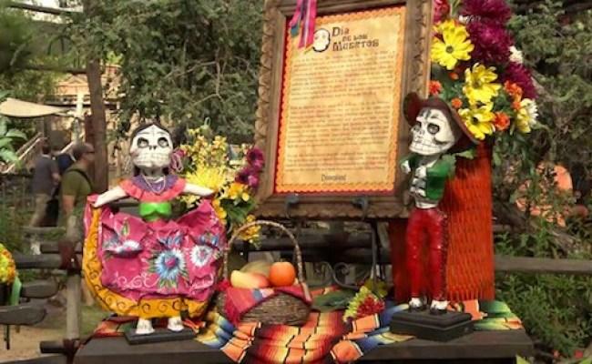 Dia De Los Muertos At Disneyland Park Disney Parks Blog