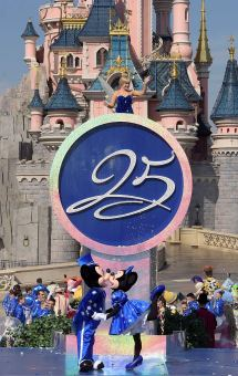 Walt Disney Parks And Resorts Chairman Bob Chapek Helps