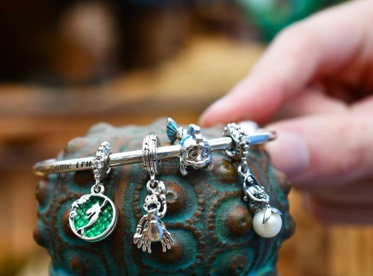 """Two charms inspired by """"Princess and the Frog"""" by Pandora"""