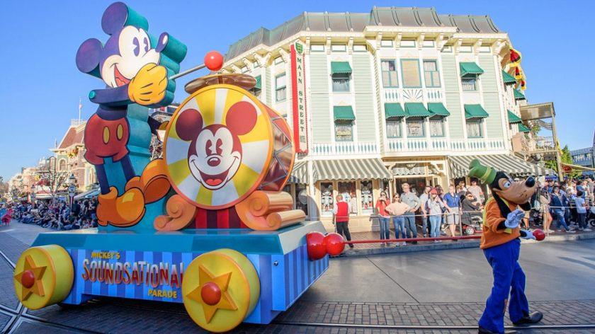 Desfile sonoro de Mickey