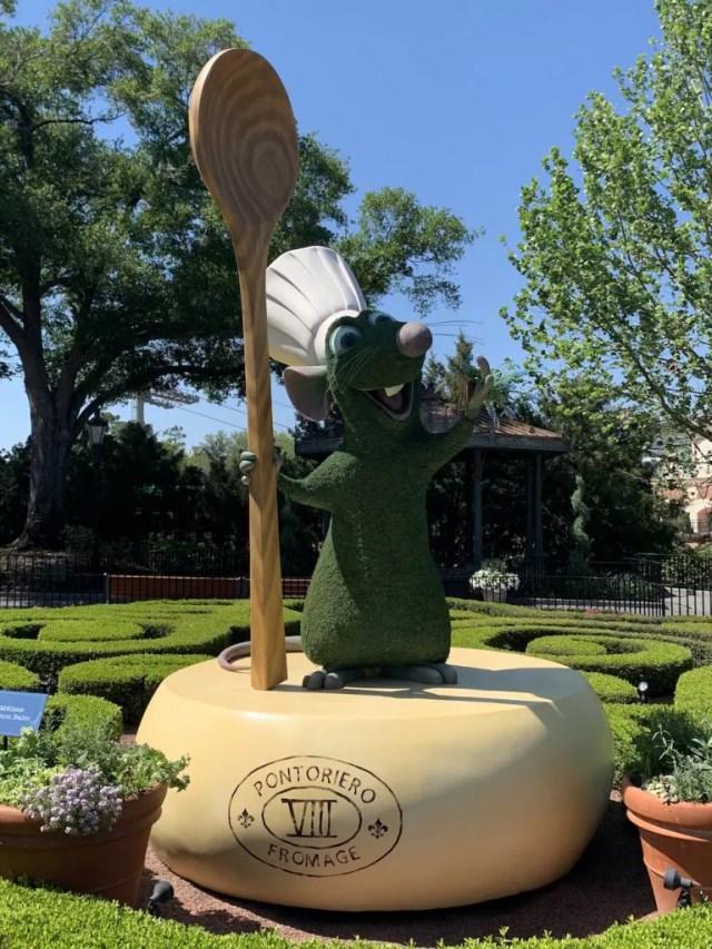 Remy topiary at Walt Disney World Resort