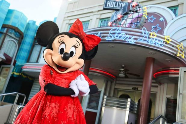 Minnie Mouse is hosting a yuletide gathering in Hollywood and Vine at Disney's Hollywood Studios