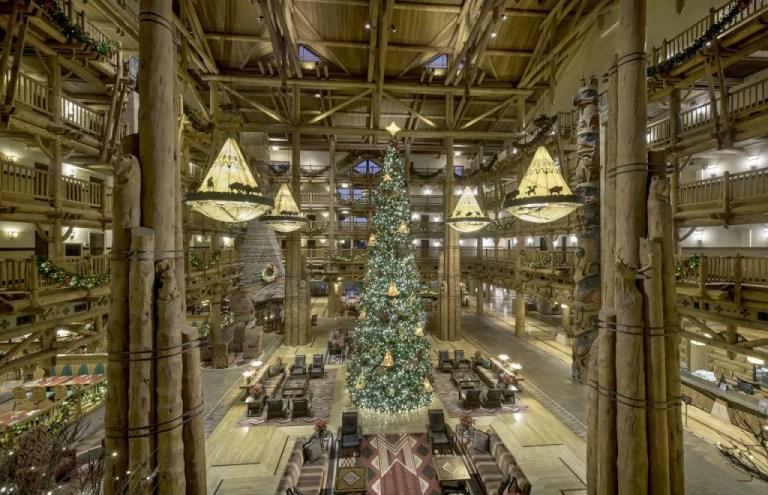 Decoraciones navideñas en Disney's Wilderness Lodge