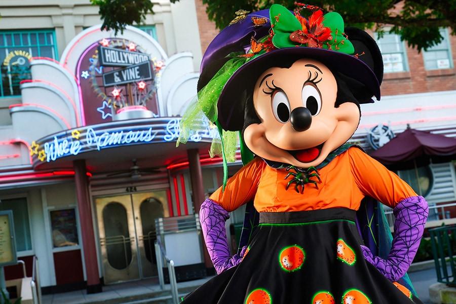 Minnie Mouse outside Hollywood & Vine, Walt Disney World Resort