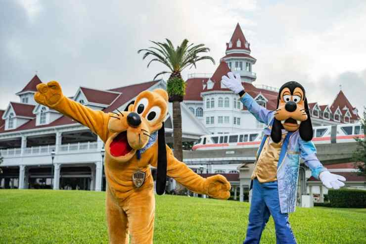Pluto and Goofy at Disney's Grand Floridian Resort & Spa