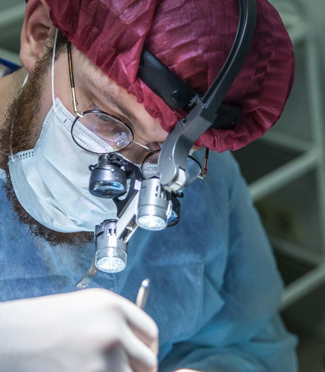 Surgeon Man Wearing Head Microscope Clinic Image - Free ...