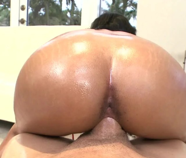 Black Skinned Peach With Big Butt Gets Fucked Hard By White Dude Pornid Xxx