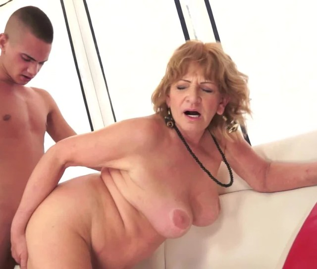 A Big Butt Brunette With A Fat Old Ass Is Getting Fucked Hard Pornid Xxx