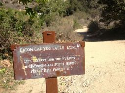 Sign to Eaton Canyon Falls