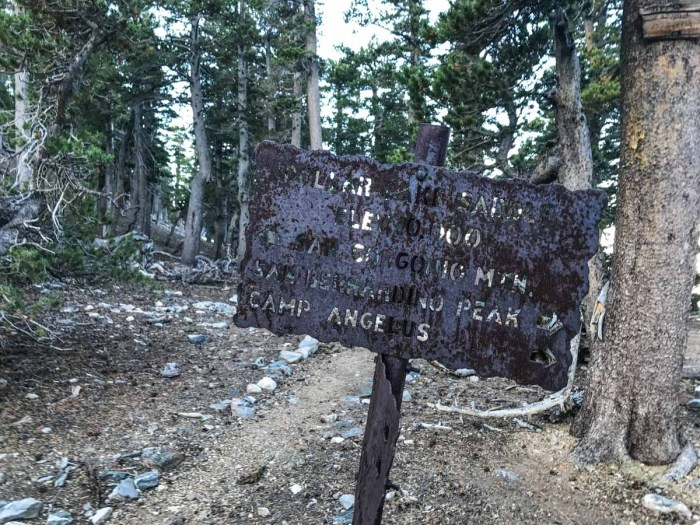 I love these old iron trail signs. It reminds me of the ones I've often seen in Yosemite National Park.
