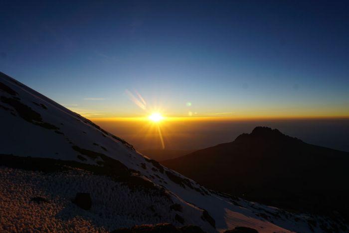 Sunrise en route to Kili