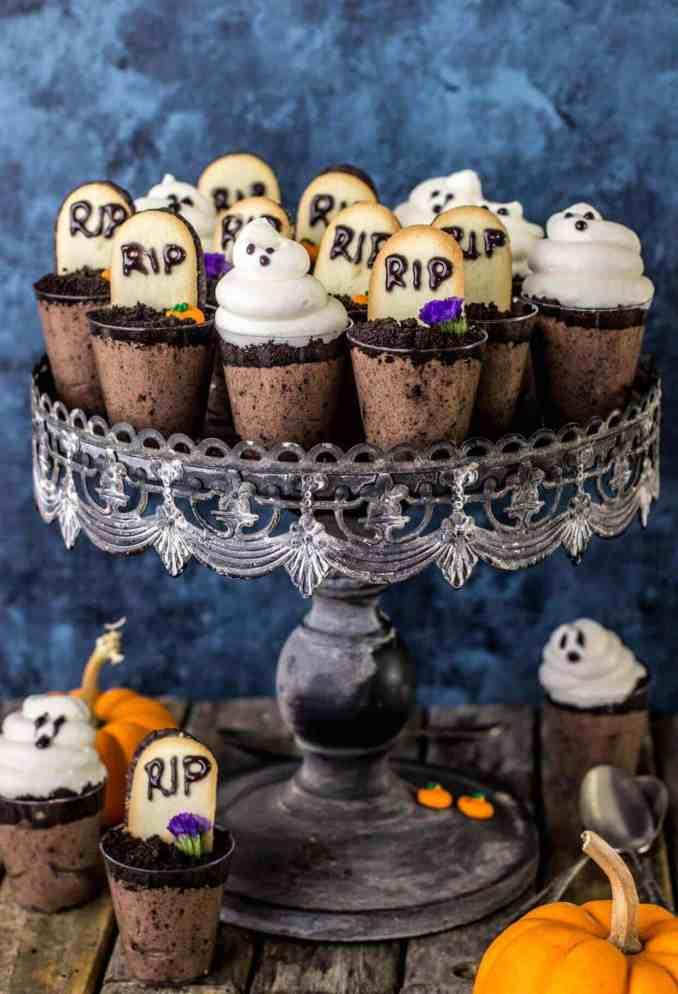 Ghosts in the Graveyard Dessert Shooters - Sugar Spun Run