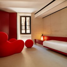 Boutique & Luxury Hotels Tablet