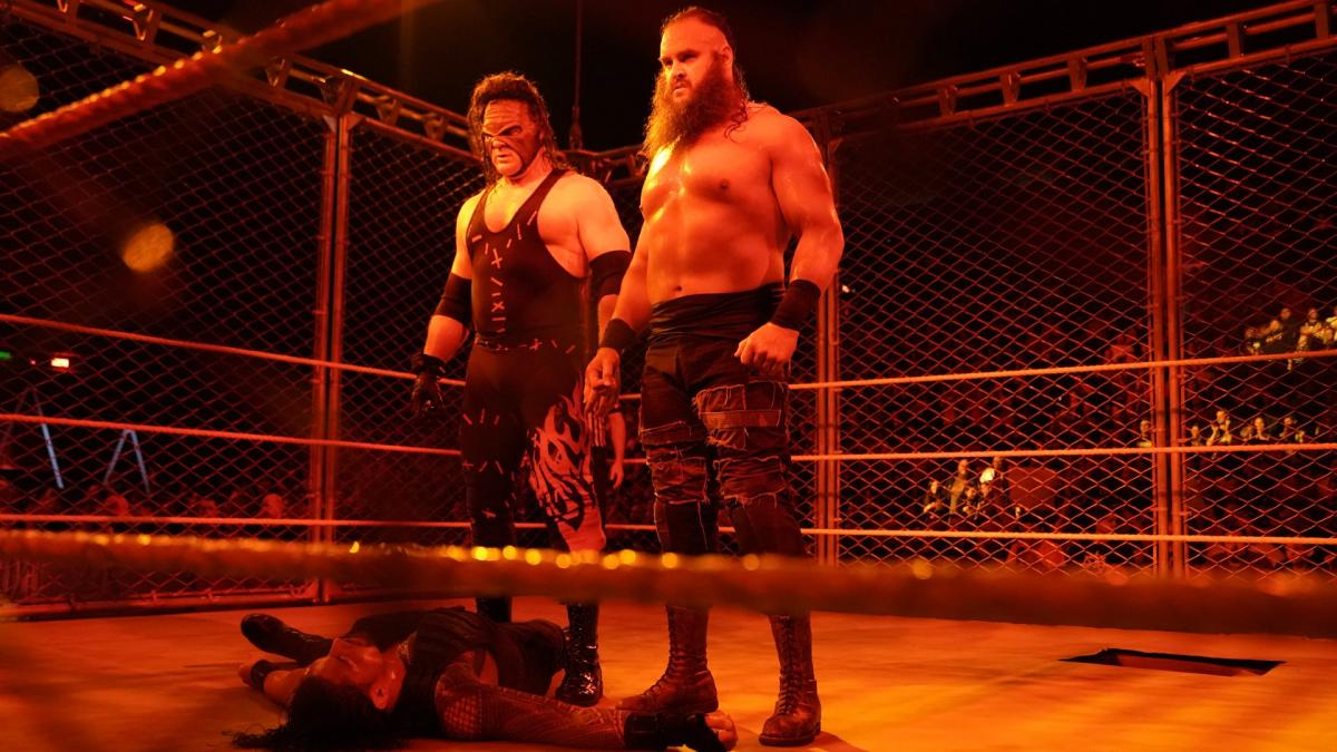 soccer team chairs zero gravity chair indoor wwe raw reaction oct. 16: braun strowman beats roman reigns in a steel cage, as kane returns