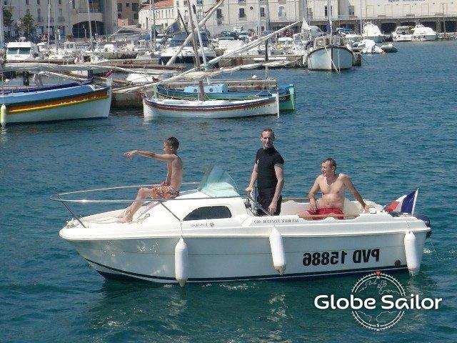 Location Merry Fisher 480 Depuis Le Port De Banyuls Sur Mer En France N550 421