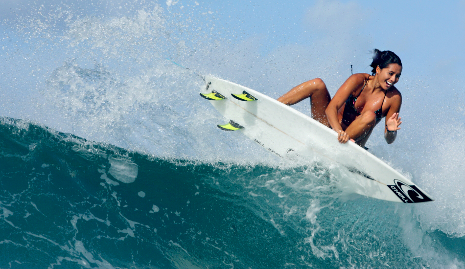 Girl On Surfboard Wallpaper The Neuroscience Of Surf How A Smile Makes You Surf