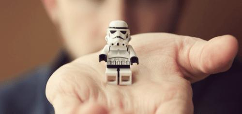Screen Shot 2014 03 06 at 2.05.43 AM 520x245 Artist Spotlight: Chris McVeigh, Lego virtuoso